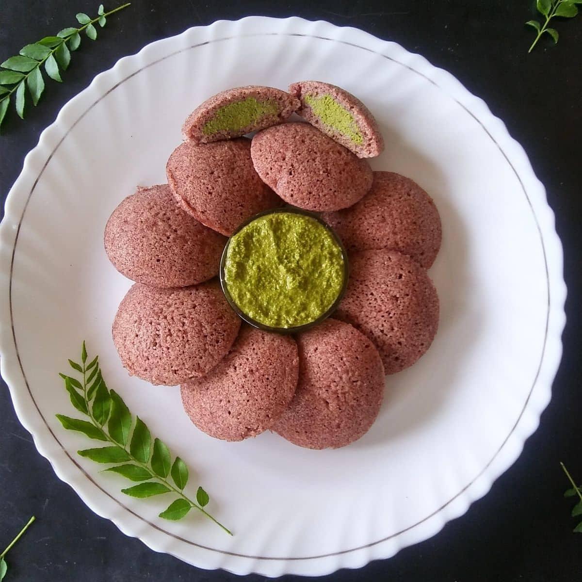 Chutney Stuffed Ragi Idli