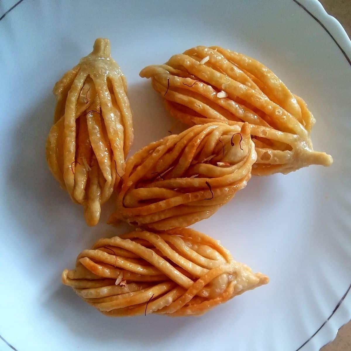 Shahi Shakkar Pare Recipe