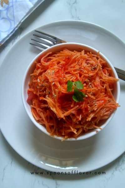 Tomato Garlic Sevai, Tomato Garlic Vermicelli Recipe, Tomato Garlic Semiyan - Spoons Of Flavor
